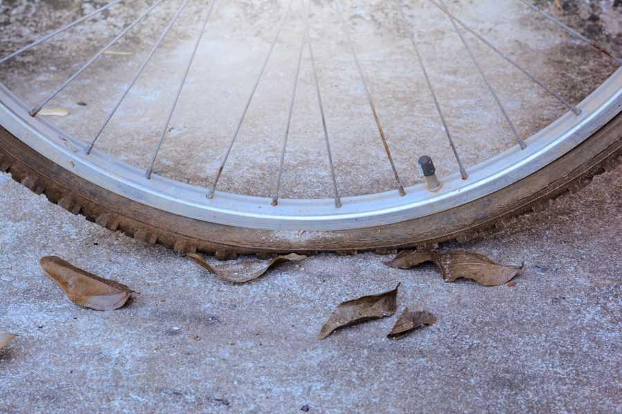 montar en bici cuando está lloviendo