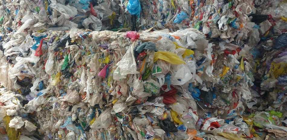erabilera bakarreko plastikoak